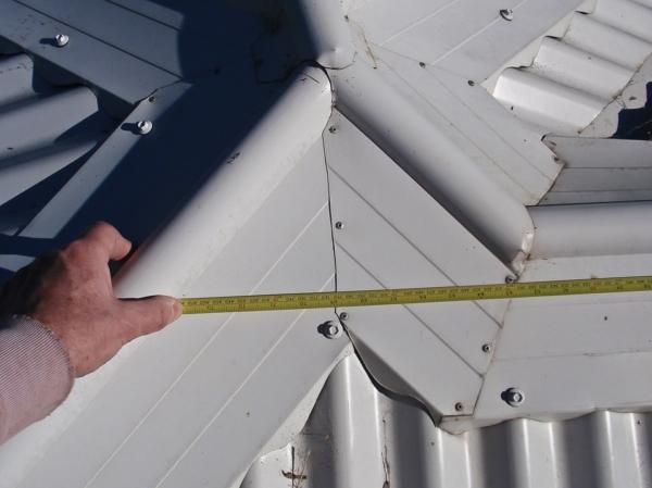 Стандартные пластиковые окна имеют высоту 1500 см и длину – 1500 см